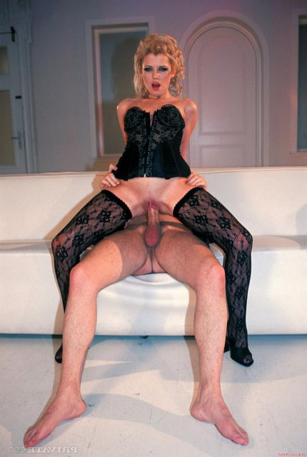 Ебля девок в эротическом белье русская порнуха — 10