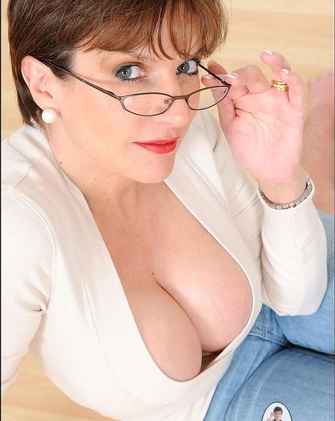 Порно суки в очках