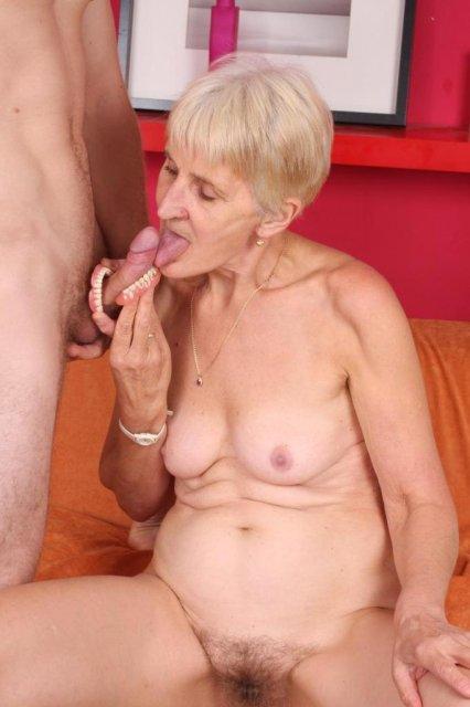 Порно новое бабулька и внук