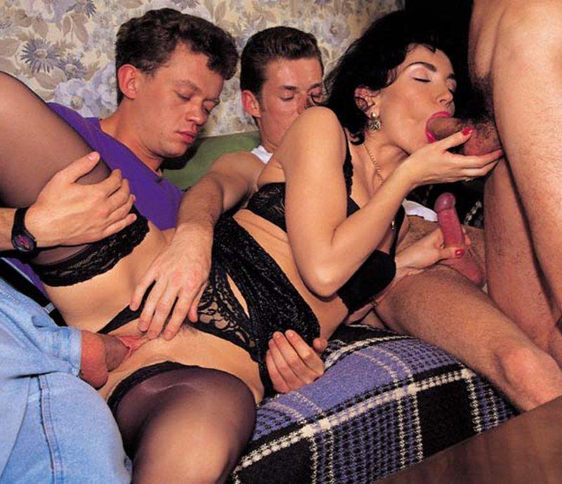 Ебут проститутку в сауне порно| promodivision161.ru