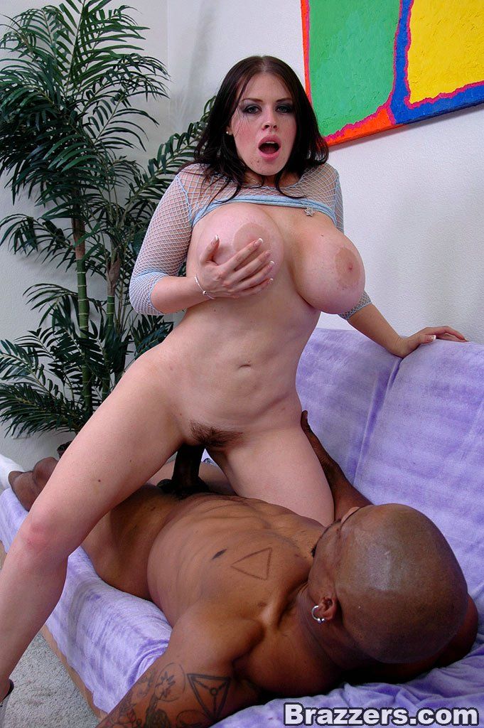 Секс с большой грудью порно будет