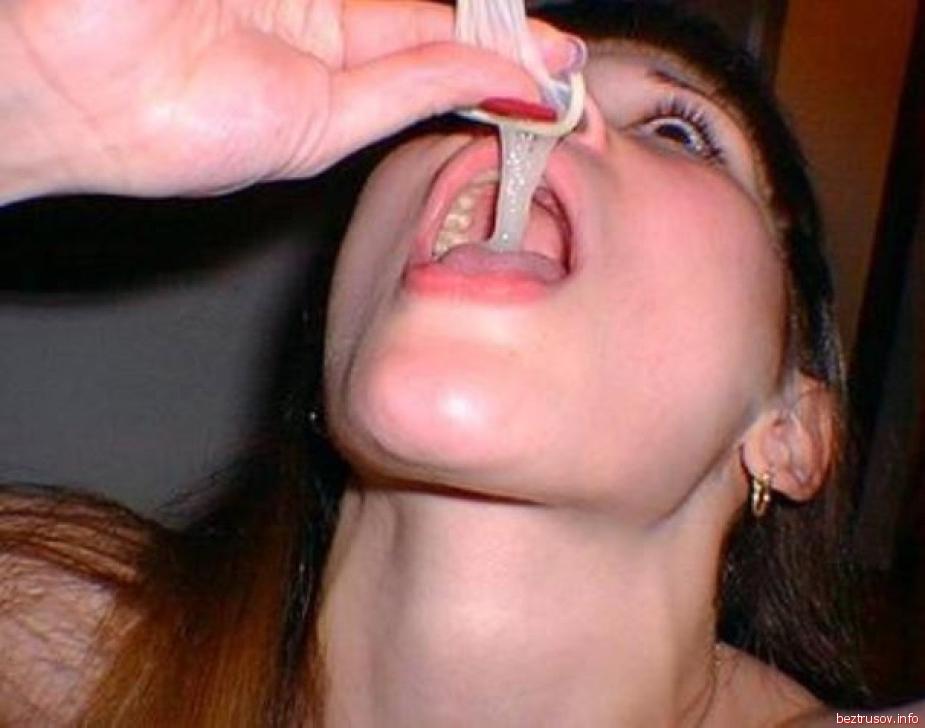 выпила сперму из гандона судя