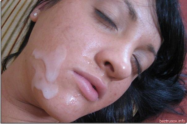Спермо на губах шлюх фотка