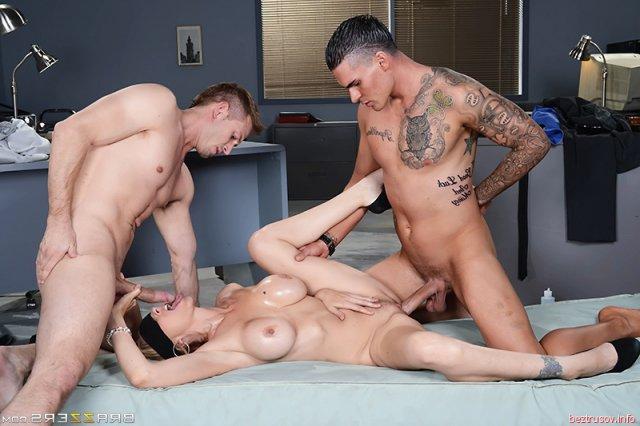 секс спроституткой в троем