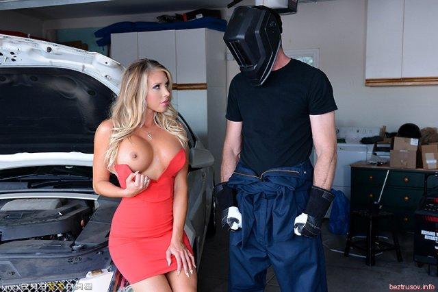 порно с силиконовыми телками