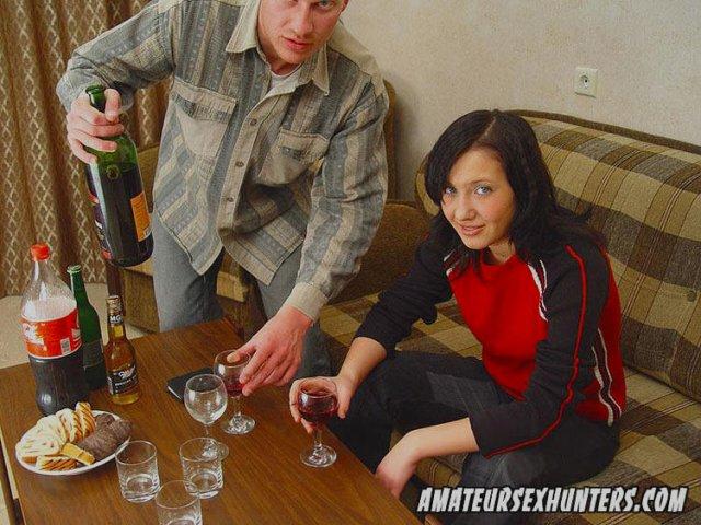порно русская девушка и толпа парней
