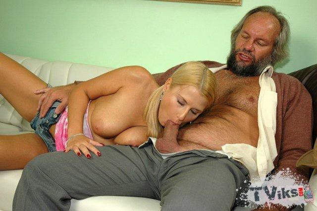 Порно Фото Старичок Имеет Красотку Фото