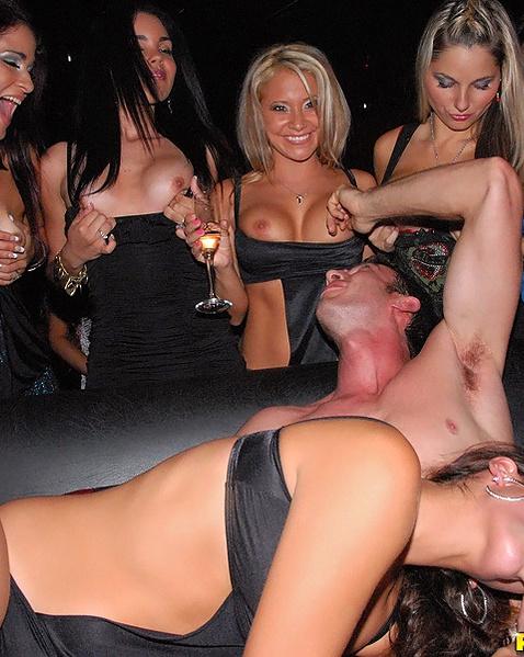 Трахаются в клуби фото 360-32