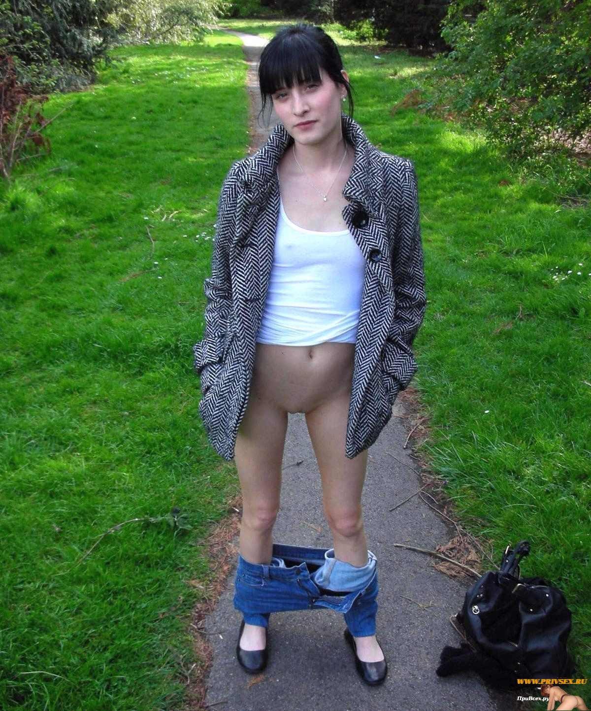 Телка сделала минет в парке за деньги — photo 4