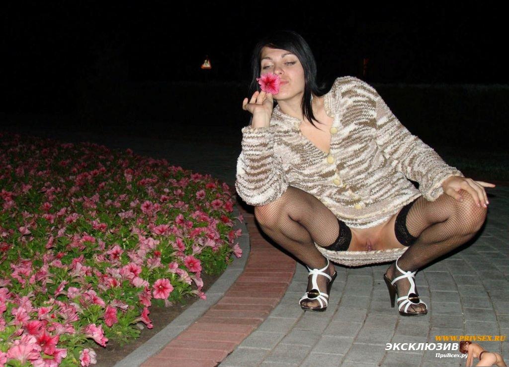 зрелые женщины стройные суки раздвигают ножки порно фото