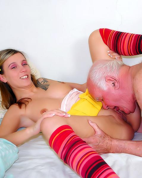 Короткие Mp4 Порно С Дедушками