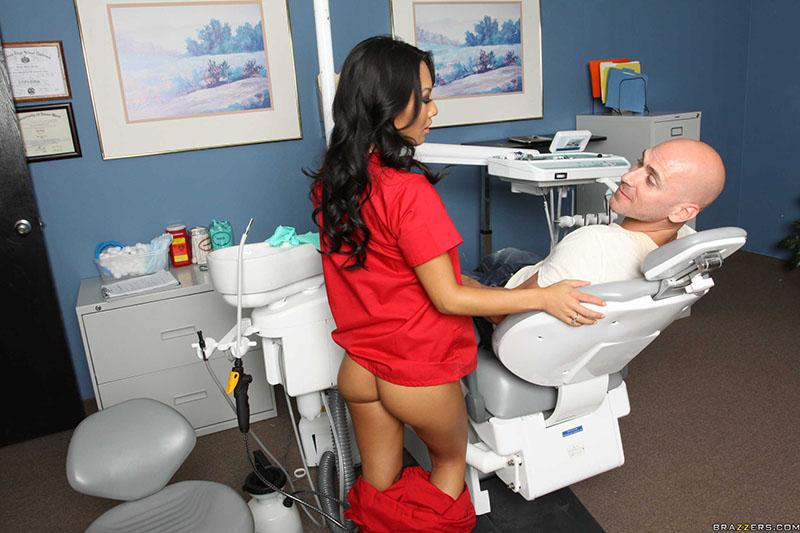 minetchitsa-u-stomatologa