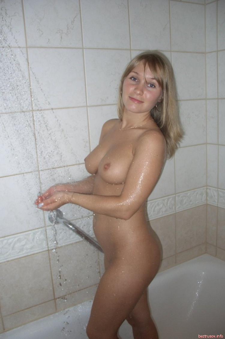 golaya-blondinka-lyubitelskoe