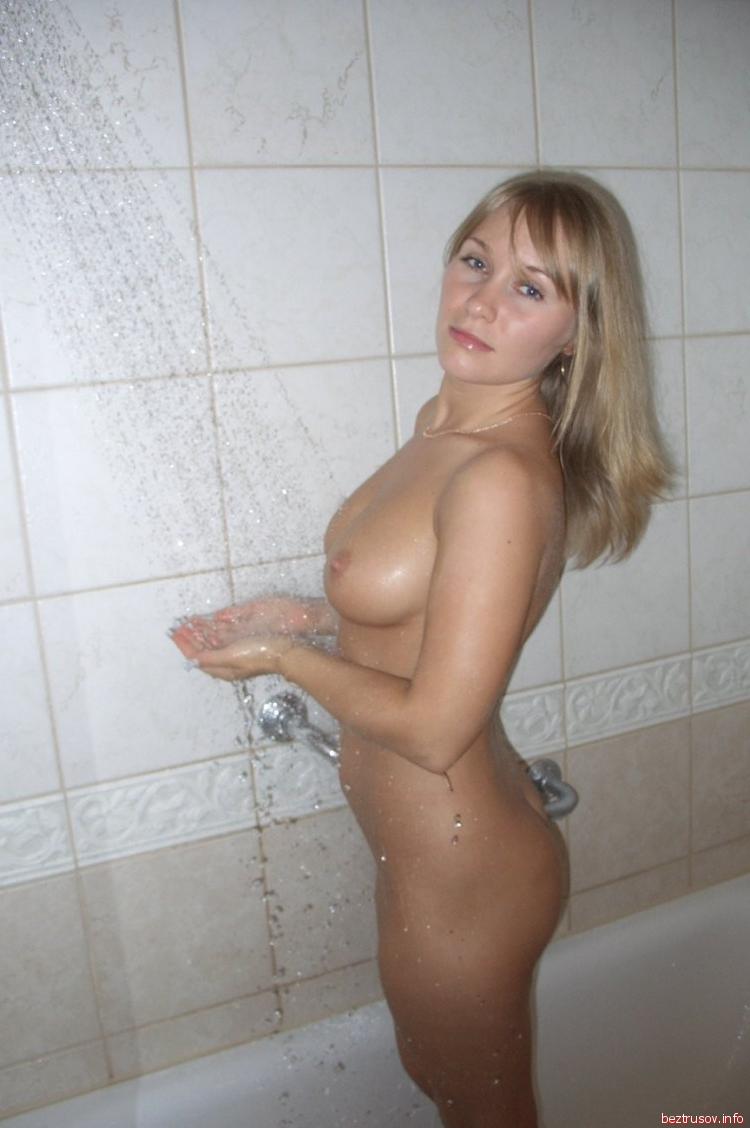 Секс блондинок в душе