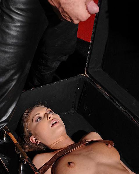 Секс игры со связанными, фото порно галереи оральное порно