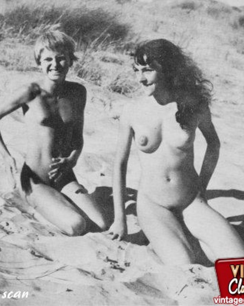 семейное фото голых девиц
