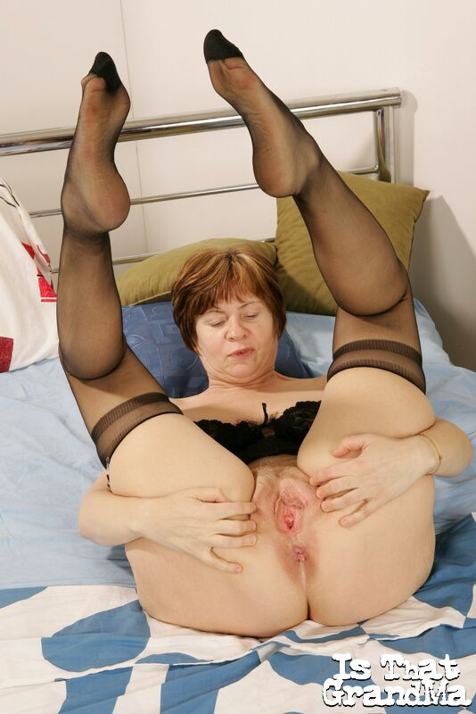 Порно пухлые ножки старушек