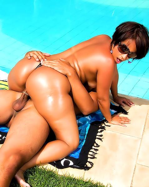 Порно с бразильянкой фото