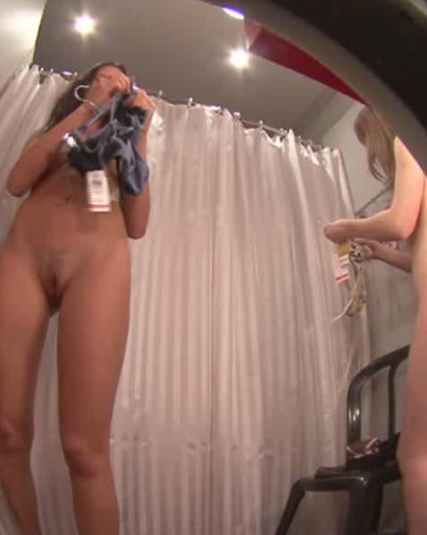 подсмотренное в примерочных магазина порно видео сидит уроке щелкает