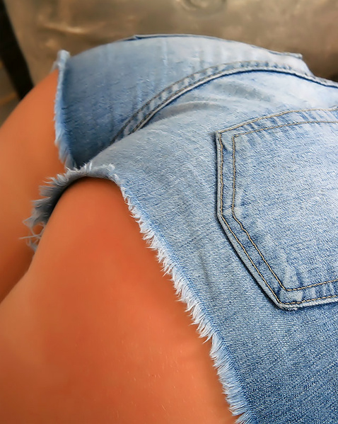 Эротические картинки попка в джинсах