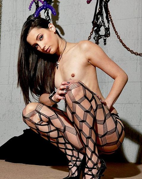 Женские чулки - Смотри бесплатно эротику и порно в большом ассортименте