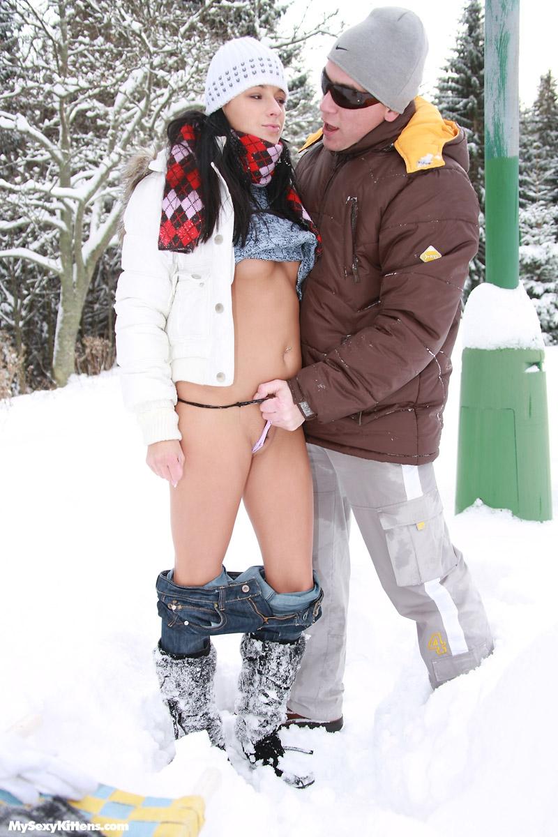 фото секс зимой на улице уменее прощать, наверное