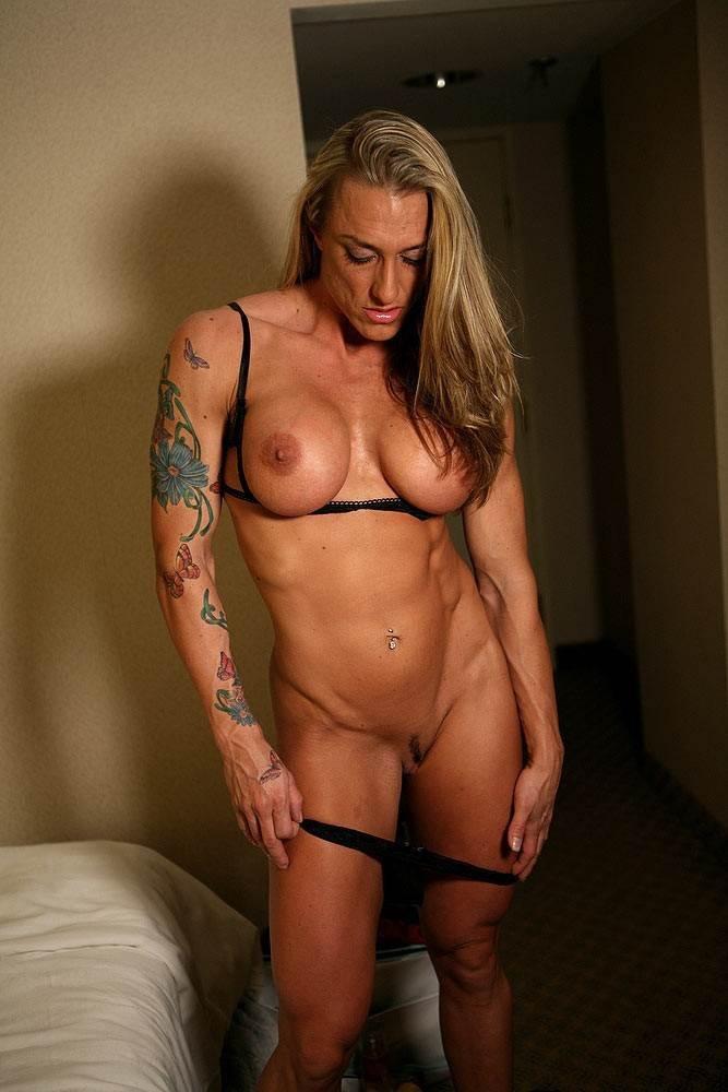 Стройная мускулистая девушка эротика, порно видео онлайн скрытая камера в туалете пту