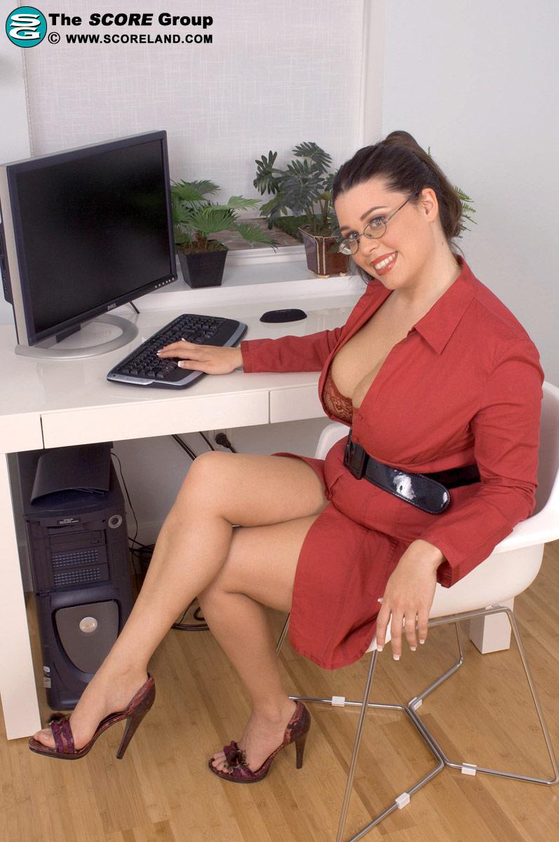 Красивое порно фото в офисе