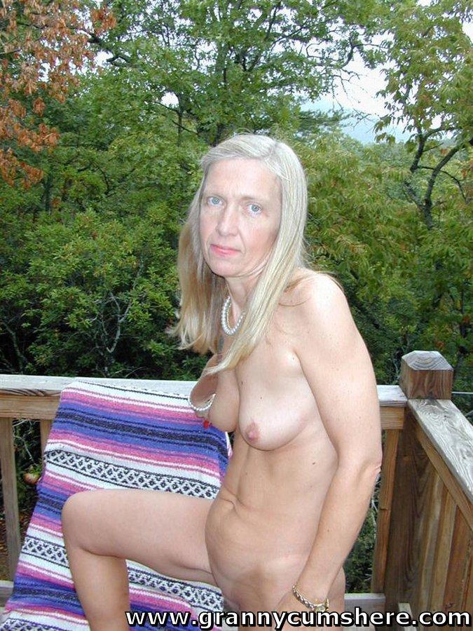 Мощный Член Внутри Горячих Дырочек Брюнетки - Смотреть Порно Онлайн